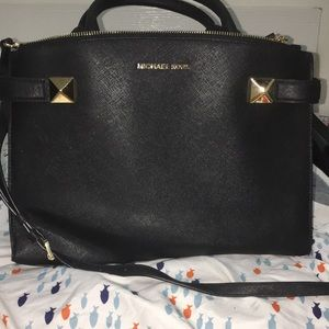 EUC Authentic Michael Kors Satchel